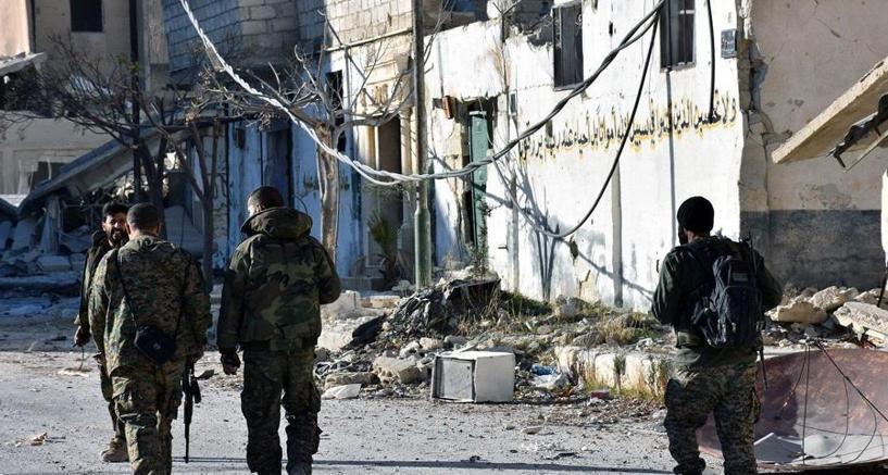 Soldati dell'esercito siriano ad Aleppo est